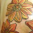 Orangea blommor i retrostil